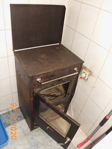 Peci na drva - Srbija: Polovna peć- kamin na drva, pelet ili drveni ugalj, bez čunkova. Ne
