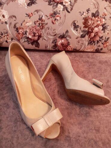 botinki 37 razmer в Кыргызстан: Продаю туфли Nine West. 37 привезли с Дубая очень миленькие, размер н