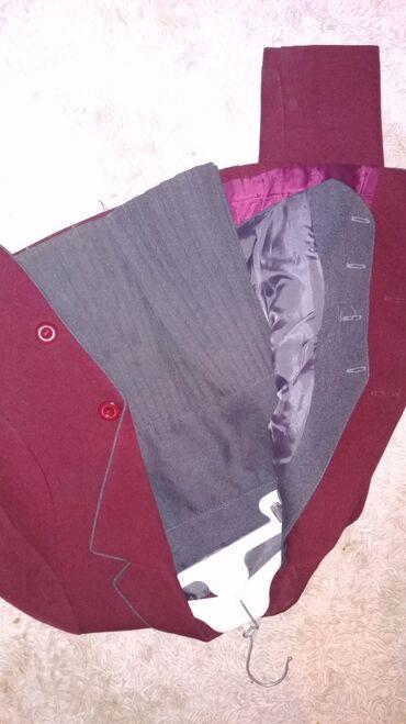 Женская одежда - Кызыл-Туу: Форма школьная, очень дёшевоКачество:классДля девочек размеры: 36, 34