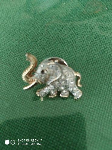Брошка слоник