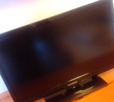 "Hyundai TV 22"" LED very good condition plus universal remote control"