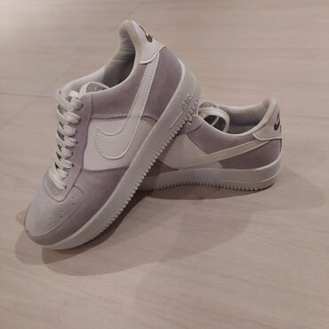 Личные вещи - Кок-Джар: Nike Air Force Цвет бело-серый Состояние идеальное, ни разу не