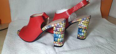 Женская обувь - Кыргызстан: Босоножки кожаные новые 39 размер