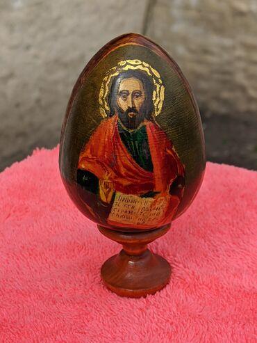 Яйцо росписное православное. С изображением Христа, девы Марии и