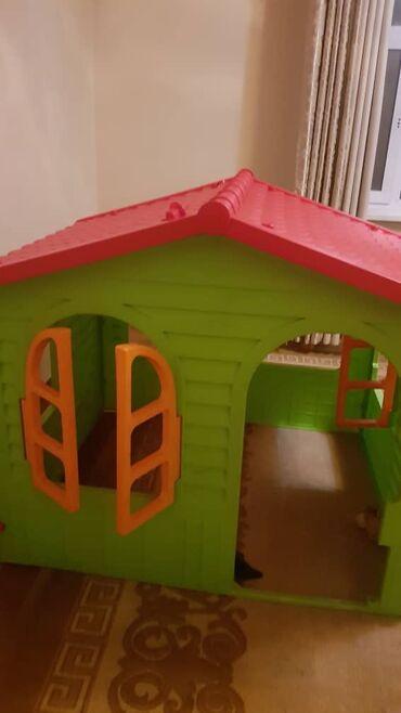 Продается игровой домик,дверь есть