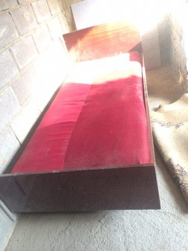 Продаю кровать с матрасом ,состояние в Novopokrovka