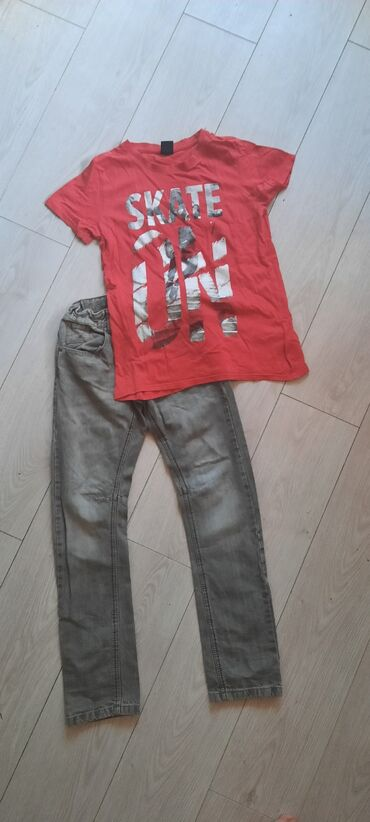Dečija odeća i obuća | Beograd: Komplet farmerice i majica vel 12 kao novo