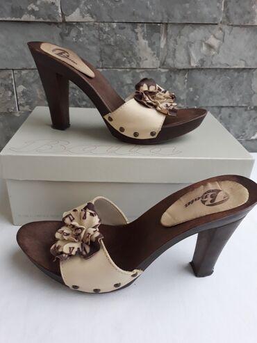 Papuče klompe Bata vel.41.Malo nošene,veoma očuvane