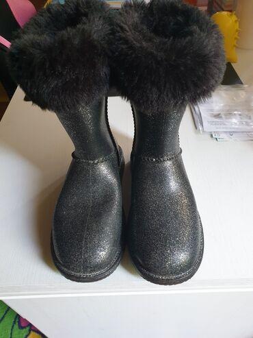 Dečije Cipele i Čizme - Arandjelovac: Vodootporne cizme vel 31 unutra oblozene krznom,spolja svetlucave