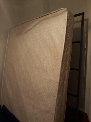 Продаю кровать 2х спалка в хорошем состоянии  (с усиленным каркасом) в Бишкек