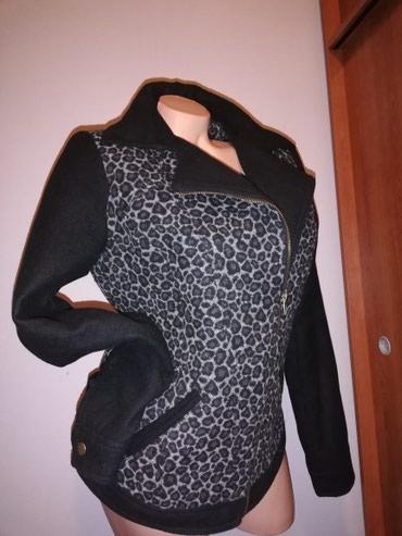 Zenska jakna modernog dozajna kao kaput kao nova! Velicina M - Belgrade