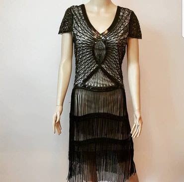 Продаю очень красивое платье. 1500 сом. размер стандарт в Бишкек
