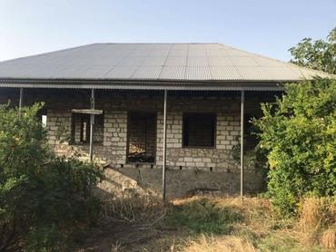 Daşınmaz əmlak Şəmkirda: Satış Evlər mülkiyyətçidən: 160 kv. m, 3 otaqlı