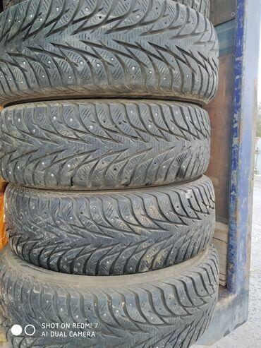 шины 13 радиус бу в Кыргызстан: 225/60r17 зимние шины, остаток 70-80% Шины в Караколе