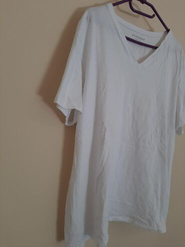 Majica zenska - Srbija: PRIMARK 2XL zenska majica na V izrez