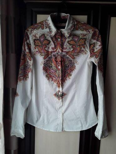 Женская одежда в Чолпон-Ата: Рубашки и блузы