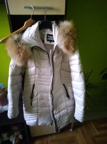 Prodajem novu zimsku jaknu kupljena u Italiji xl veličina led boja
