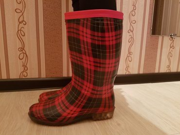 Новые гламурные резиновые сапоги с мехом, 38-39 размер. в Бишкек