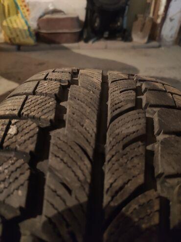 куплю диски на 16 бу в Кыргызстан: 3 одинаковые 1 другая зимние шины с дисками на БМВ BMW 205/65/16