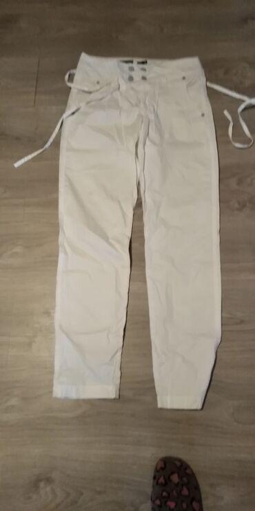 Ž. pantalone vel. S u dobrom stanju bele boje