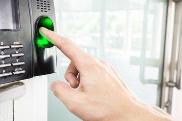 Bakı şəhərində Access Control ( Barmaq izi və kart sistemi )