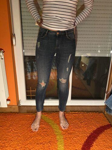 Pink jeans farmerke - Srbija: Farmerke BERSHKA, velicina 36