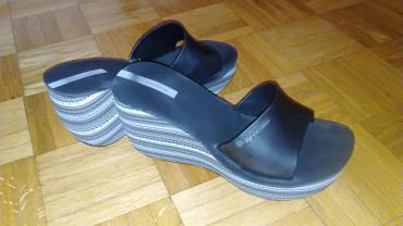 Nove crne papuče marke Ipanema,obuvene samo jednom,jer su pogrešnog - Belgrade