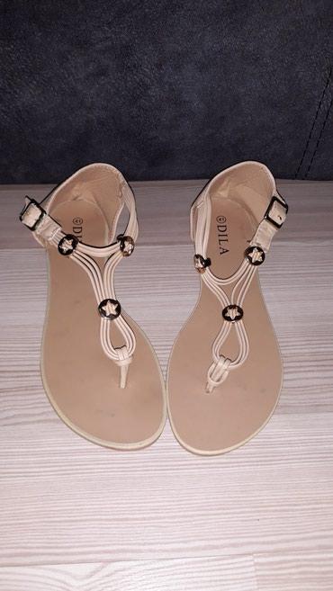 Nove sandale, bež boje, broj 41, ali odgovaraju broju 40. - Nis