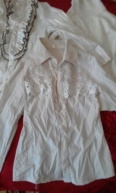 Личные вещи - Буденовка: Децкая одежда рубашки на девачку состояние отличное просто помялись в