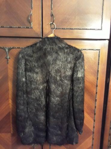 Bunda od nutrije - Srbija: Kratka bunda od nutrije .Sirina u ramenima 45cm 81cm duzina 65cm