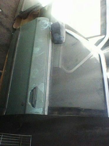Продаю двери на Е-28 . в Бишкек