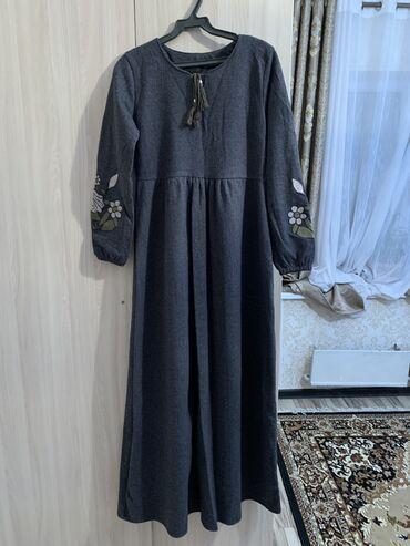 зимние платья в Кыргызстан: Продаю длинное платье тёплая, как раз на зимние мероприятия  За 750 со