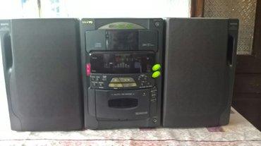 Elektronika | Bujanovac: Muzički stub marka sanyo original sa pregradom za kasete i cd