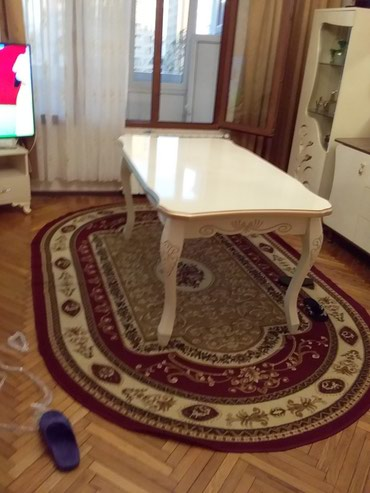 Bakı şəhərində Eziz müşteriler masa sıfr mexanizmle açlır eni 1 metr uznu 2 metr