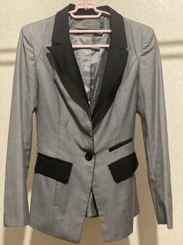 Продаю пиджак приталенный размер Sв отличном состоянии