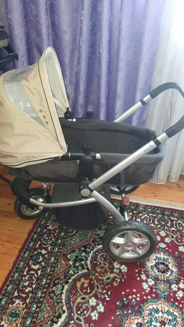kolaska - Azərbaycan: Mothercare kolaska, çox rahat ve keyfiyyətli. Hem uzanir,hem oturacag