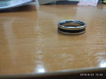 женское кольцо 19 размер в Кыргызстан: Продаю кольцо Сталь с серебром   200 сом.  размер 19