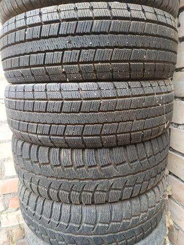 шины 195 65 r15 зима в Кыргызстан: Срочно продаю зимние шины окончательно 12000сом почти новый