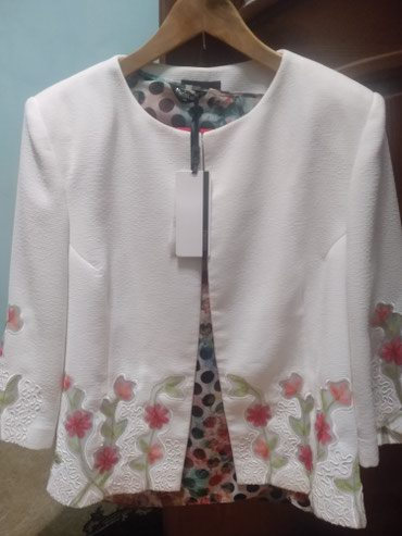 женский костюм 56размера. новый отличного качества. не Китай. в Чолпон-Ата