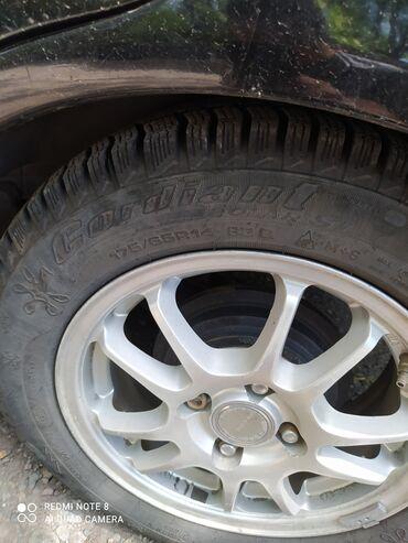 Продам зимние шины новые 4 шт 8000 тысяч оканчательно