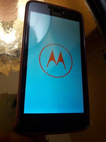 Motorola xt532 - Srbija: Motorola c u odlicnom stanju. Vrlo malo koriscena, maska i zastitno