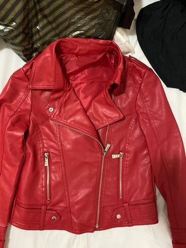 Продам ;   Новый женский кожаный куртка   куртка пиджак размер 38