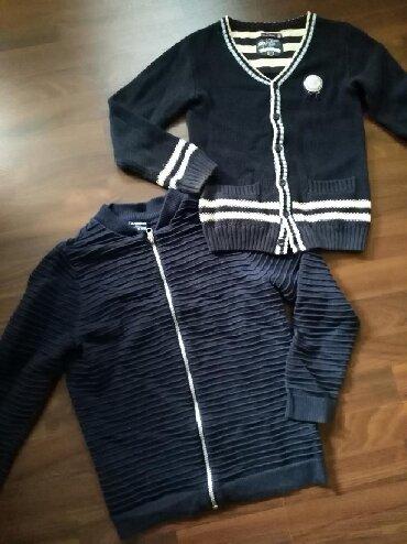 Džemperi za dečaka. Očuvani i bez oštećenja. Veličina 10. Cena - Ruma