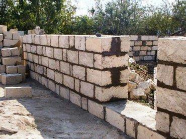 Evlərin tikintisi. Hörgü, Şkatur, beton monolit və s. Keyfiyyətli iş i в Баку