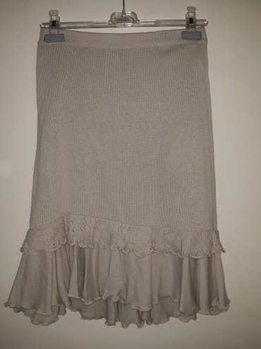 Divna suknja,napred malo kraca,duz.57 cm,trikotaza,obucena par - Smederevo