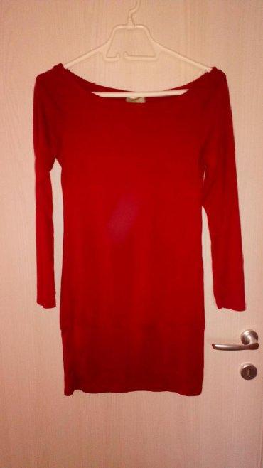 Ženska odeća | Novi Sad: Pamučna tunika sa elastinom, tamno crvene boje, bez oštećenja. Ima