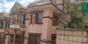 For Sale Houses : 120 sq. m, 3 bedroom