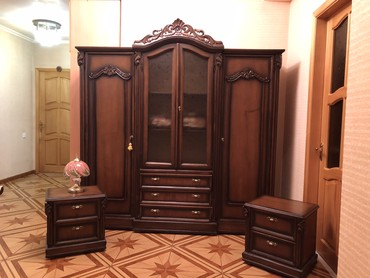 шкаф в гостинную в Азербайджан: Спальный гарнитур в хорошем состоянии ( арабский) из натурального дере