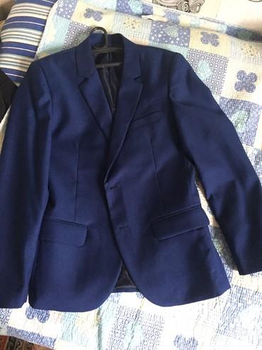 детская клетчатая рубашка в Кыргызстан: Абсолютно новый костюм брали за 5000 на мероприятие одет один раз и