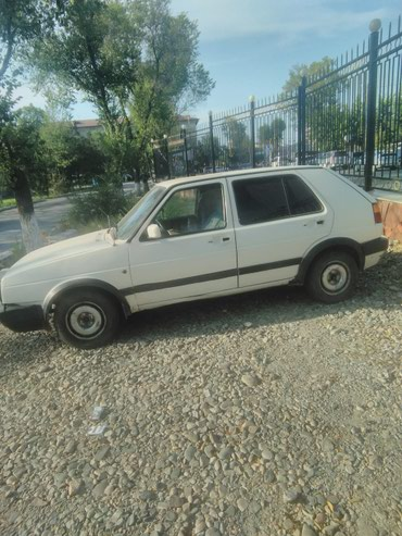 Volkswagen Golf V 1990 в Бишкек